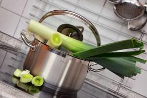 慢性肠炎可以吃韭菜吗慢性肠炎的症状有哪些呢