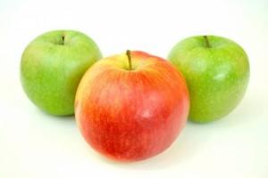口干舌燥嘴唇干吃什么多吃水果管用